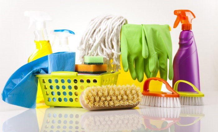 how to best clean your cleaning tools