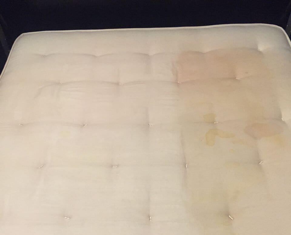 mattresses cleaning EN3