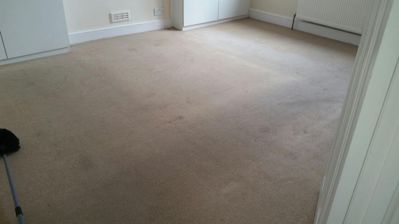 LU1 clean floor Luton