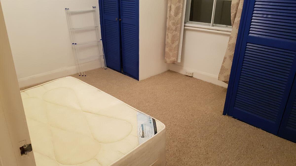 RM13 clean floor Rainham