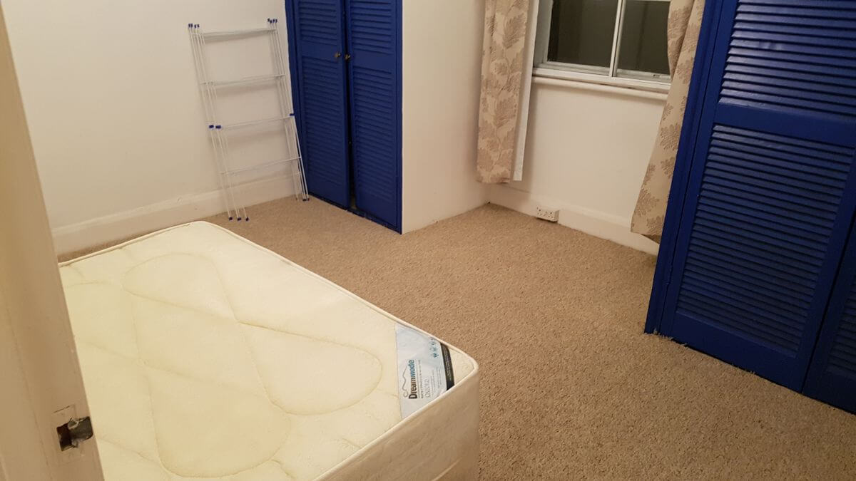 KT6 upholstery washer Surbiton