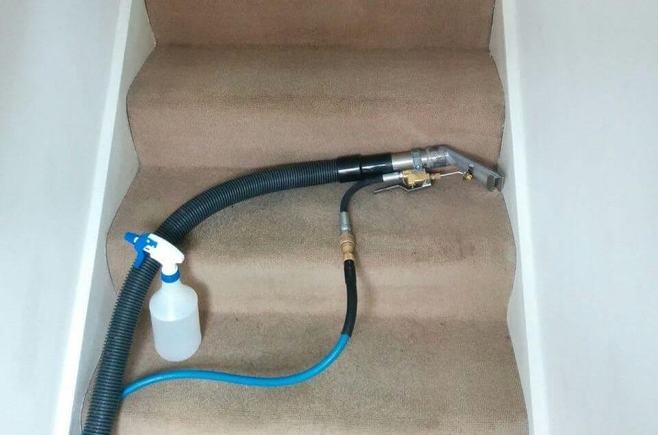 N19 upholstery steam cleaner